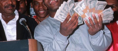 Mike Tyson acabou perdendo muito dinheiro.
