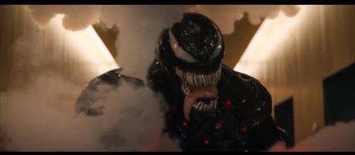 Tom Hardy wants an R-rated sequel and Avengers crossover for Venom [Image Credit: Emergency Awesome/YouTube screencap]