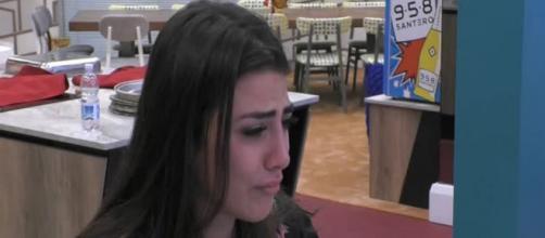 Grande Fratello Vip, Giulia Salemi piange in diretta e Lisa svela le sue insicurezze