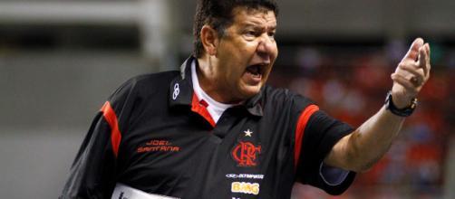 Joel Santana foi um dos que estrearam com vitória no Rubro-Negro. (foto reprodução).