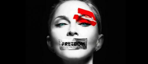 Madonna aderindo à campanha #EleNão.