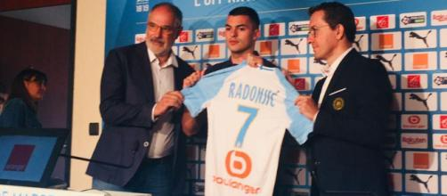 Nemanja Radonjic doit faire face à la concurrence de Thauvin et Payet dans la zone offensive
