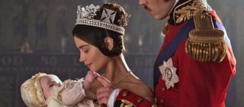 Replica Victoria, la seconda puntata su MediasetPlay: la regina depressa, Albert se ne va