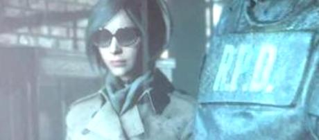 A screenshot of Ada Wong's new look in 'Resident Evil 2' was spotted in the forums Reddit [Image Credit: AvidExpert/YouTube screencap]