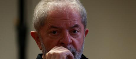 Partido de Amoêdo quer que sejam retiradas propagandas com Lula, a exemplo da Coligação petista e falas de Haddad IGaleria BN