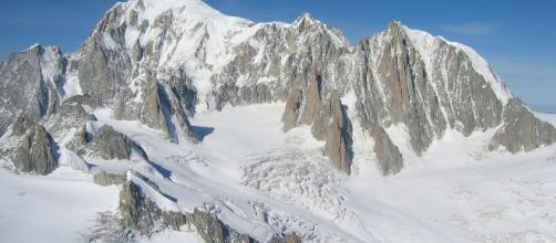 Monte Bianco, dal 2019 servirà il permesso per salire
