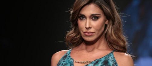 Gossip: Belen Rodriguez conferma di essere single e punzecchia i suoi ex in tv.