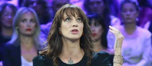 L'attrice Asia Argento ha replicato a Jimmy Bennet a Non è L'Arena