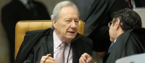 Lewandowski se irrita com colega de tribunal por derrubar sua decisão sobre a entrevista de Lula