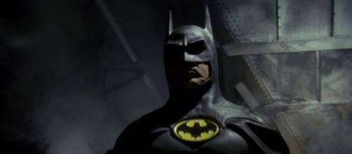 Michael Keaton como Batman no filme de Tim Burton. (foto reprodução)