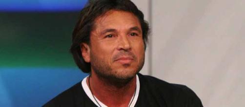 Valerio Merola ha raccontato di aver avuto una breve relazione con Moana Pozzi