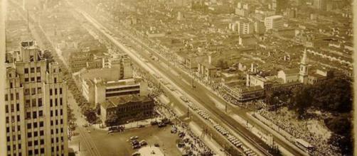 A Avenida Presidente Vargas em 1944