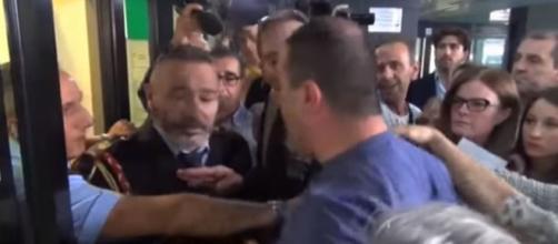 Sfollati crollo Ponte Morandi in protesta alla Regione Liguria (Ph. Youtube)