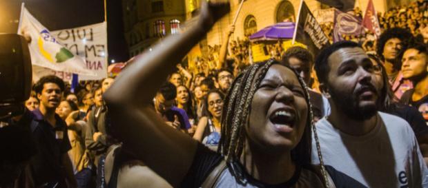 Brésil : indignation de la population après l'incendie du Musée national de Rio de Janeiro.