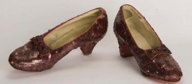 """The ruby slippers worn by Judy Garland in """"The Wizard Of Oz"""" have been found after 13 years. [Image Associated Press/YouTube]"""