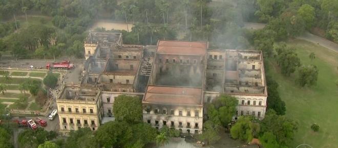 Museu Nacional deve ser reconstruído com ajuda do Ministério da Educação