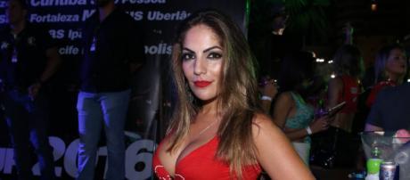 Ex-BBB Anamara ganha processo contra boate de Goiás