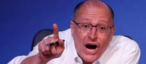 Geraldo Alckmin diz que Aécio Neves não irá participar de sua campanha eleitoral para presidência.