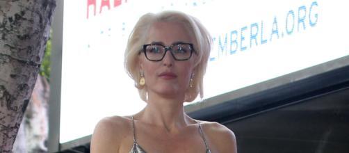 Gillian Anderson inicia nueva aventura como diseñadora de modas