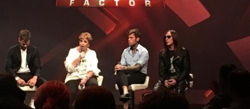 Nelle foto i tre giudici di X Factor con il conduttore Alessandro Cattelan