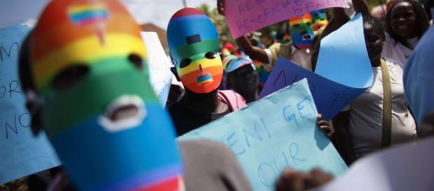 India, i rapporti tra omosessuali non sono più illegali