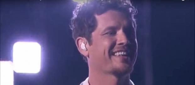 Michael Ketterer during his song for the 'America's Got Talent' semifinals. [Image Source: Talent Recap - YouTube]
