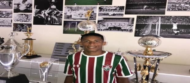 Promessa da base, Marcos Paulo tem chance de ser relacionado contra o Vitória (Foto: Arquivo Pessoal)
