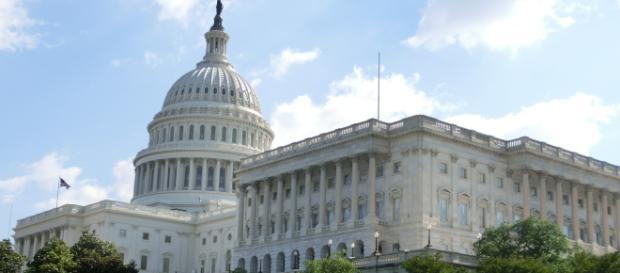 The U.S. Capitol Building, the official meeting place of the U.S. Senate. [Image via jensjunge - Pixabay]