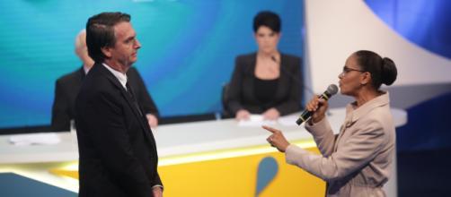 Bolsonaro aparece com dez pontos de vantagem