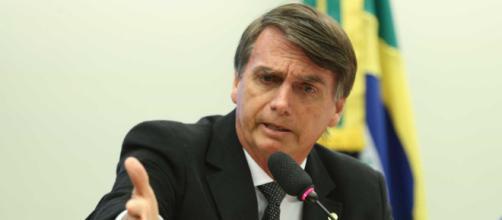 Bolsonaro foi esfaqueado nesta quinta-feira (6).