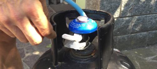 Brindisi, esplode bombola del gas: feriti due coniugi in vacanza