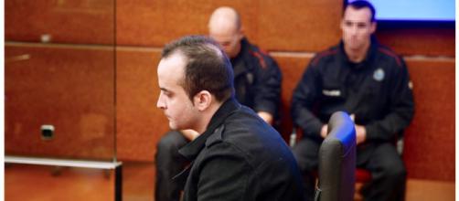El acusado prestando declaración