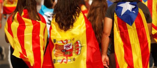 El gobierno derechista del PSOE despliega 600 policías antidisturbios en Catalunya en vísperas de la Diada y del 1-O
