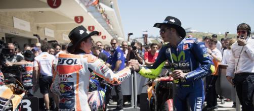 MotoGP, Misano: Rossi non stringe la mano a Marquez - bwin.it