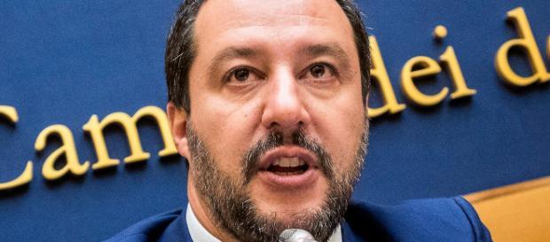 """Pensioni anticipate, Salvini : """"quota 100 per tutti, da subito e senza paletti"""""""