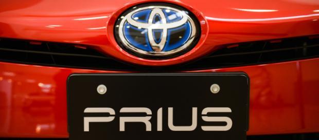Toyota recalls 1 million hybrid cars over technical problem. [Image source: CBS News - YouTube]