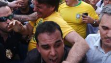 Brasile, candidato dell'estrema destra alle presidenziali ferito in un incontro elettorale