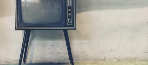 A television, much like what early broadcast of the award ceremiones were shown on. [Image via Pexels - Pixabay]