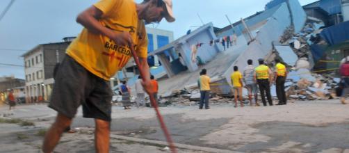 Imagenes: Ecuador: terremoto dejó 233 muertos y miles de heridos - semana.com