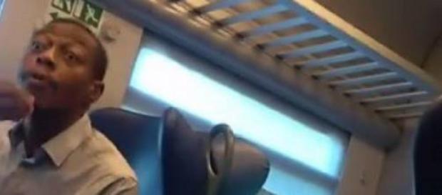 Congolese aggredisce passeggera sul treno