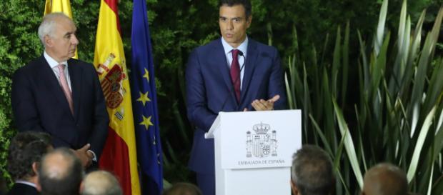 Sánchez se compromete con Pierre Moscovici a enviar a Bruselas antes del 15 de octubre los lineamientos del Presupuesto 2019