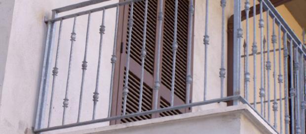 Denunciata 59enne: avrebbe consumato rapporti intimi a Ibiza con un 14enne.