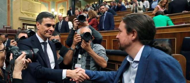 Sánchez se reúne con Iglesias y promete que aumentará el gasto social