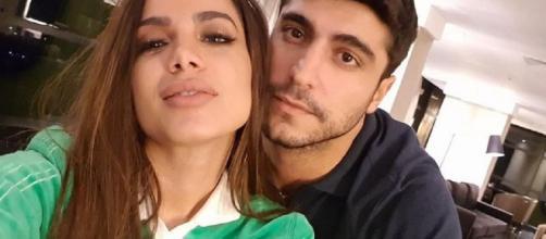 Depois de 10 meses, Anitta se separa de Thiago Magalhães.