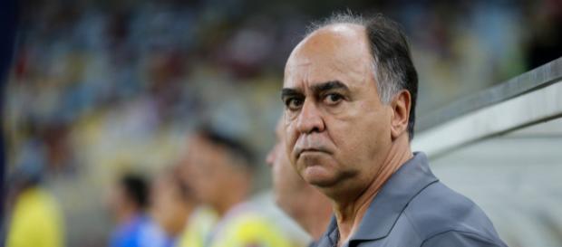 Sob pressão, Marcelo Oliveira precisa da vitória