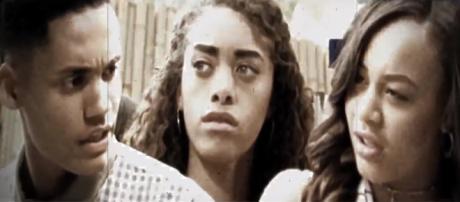 Zoe may seduce Xander on The Bold and the Beautiful. [image source: B&B Worldwide - YouTube]