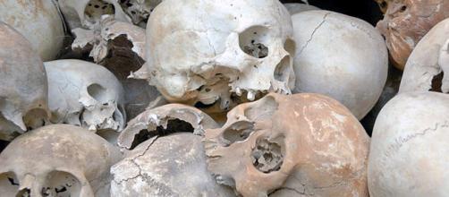 I carabinieri di Milano hanno scoperto un traffico di teschi e di altri resti umani. Indagati tre professionisti.