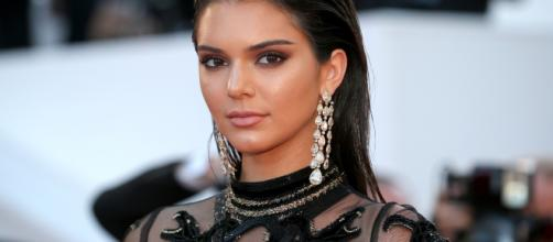 Kendall Jenner wows in completely sheer outfit (Image Bloomerang/Twitter)