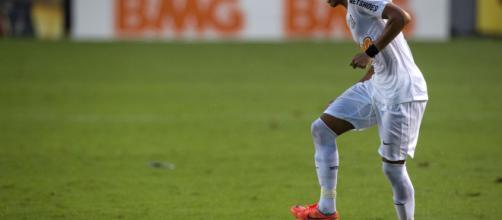 Neymar Santos es uno de los jugadores de fútbol más destacados a nivel mundial.