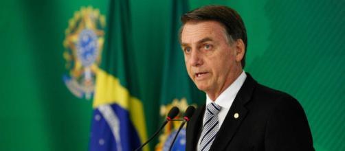 Bolsonaro assinará salário mínimo para 2019. (Reprodução: R7)